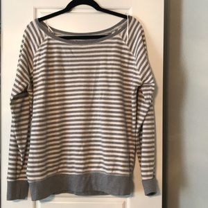 Tops - Sweatshirt size medium